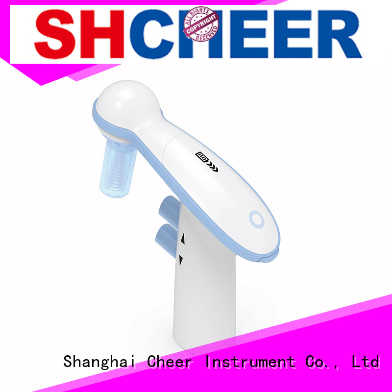 Cheer electronic electronic pipette filler in laboratory
