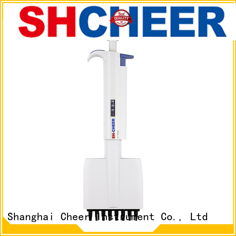 Cheer electronic multichannel pipette equipment in laboratory